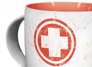 Beispiel einer Arzttasse mit weißem Kreuz