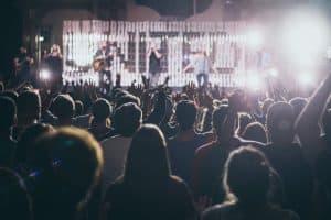 Da ist Musik drin – Konzertkarten als Geschenkidee - Feuerwerk am Himmel - Konzert